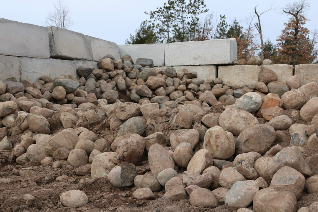 Hopkins Sand and Gravel 8-15 Rock